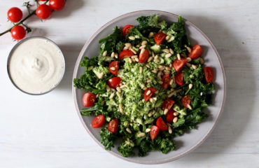BROCCOLI CASHEW CAESAR SALAD