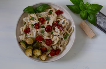 Vegan pasta Alfredo