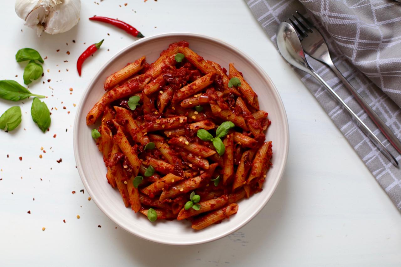 Vegan pasta arrabbiata